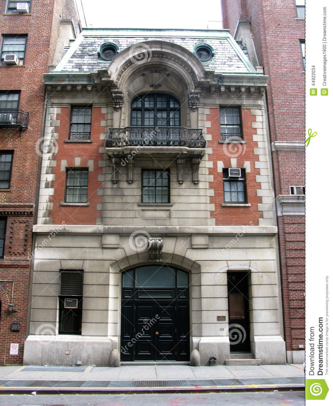 Victorian carriage house in new york city stock photo for Nyc mansions for sale