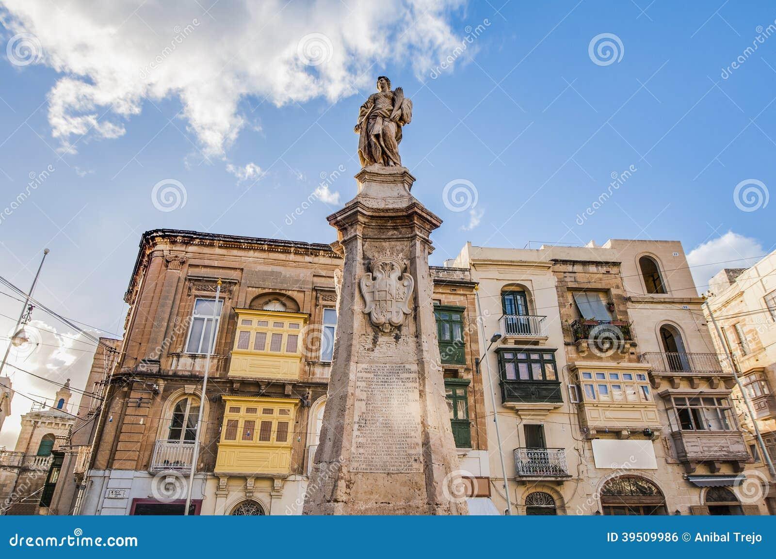 victory monument at vittoriosa square in birgu  malta stock photo