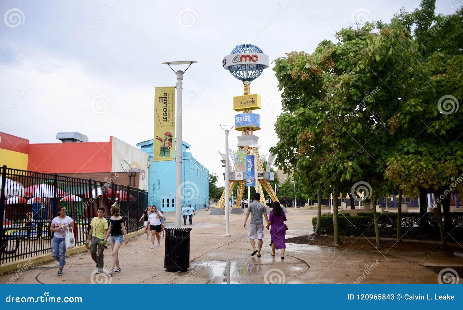 Vid Mills Mall, Sealife y Legoland, vid Tejas