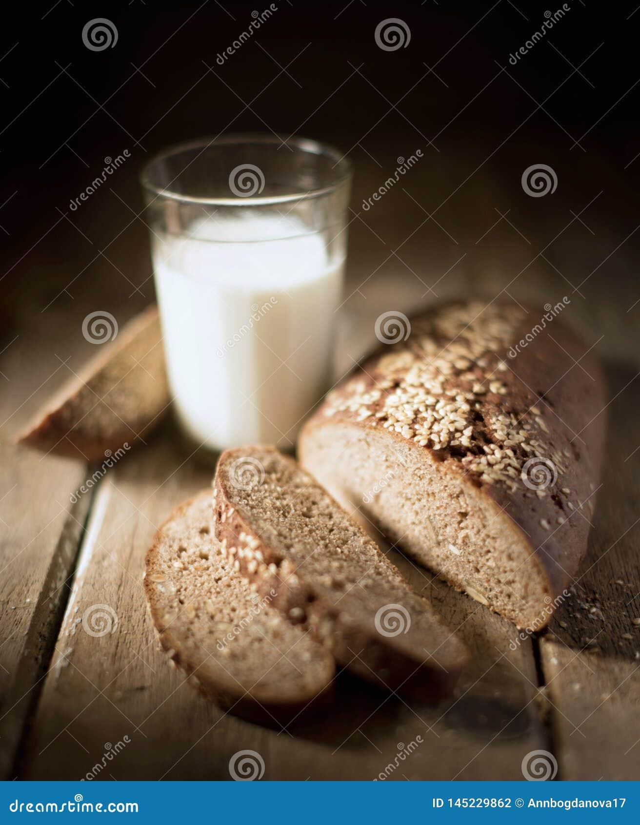 Vida, leite e pão do destilador da vila