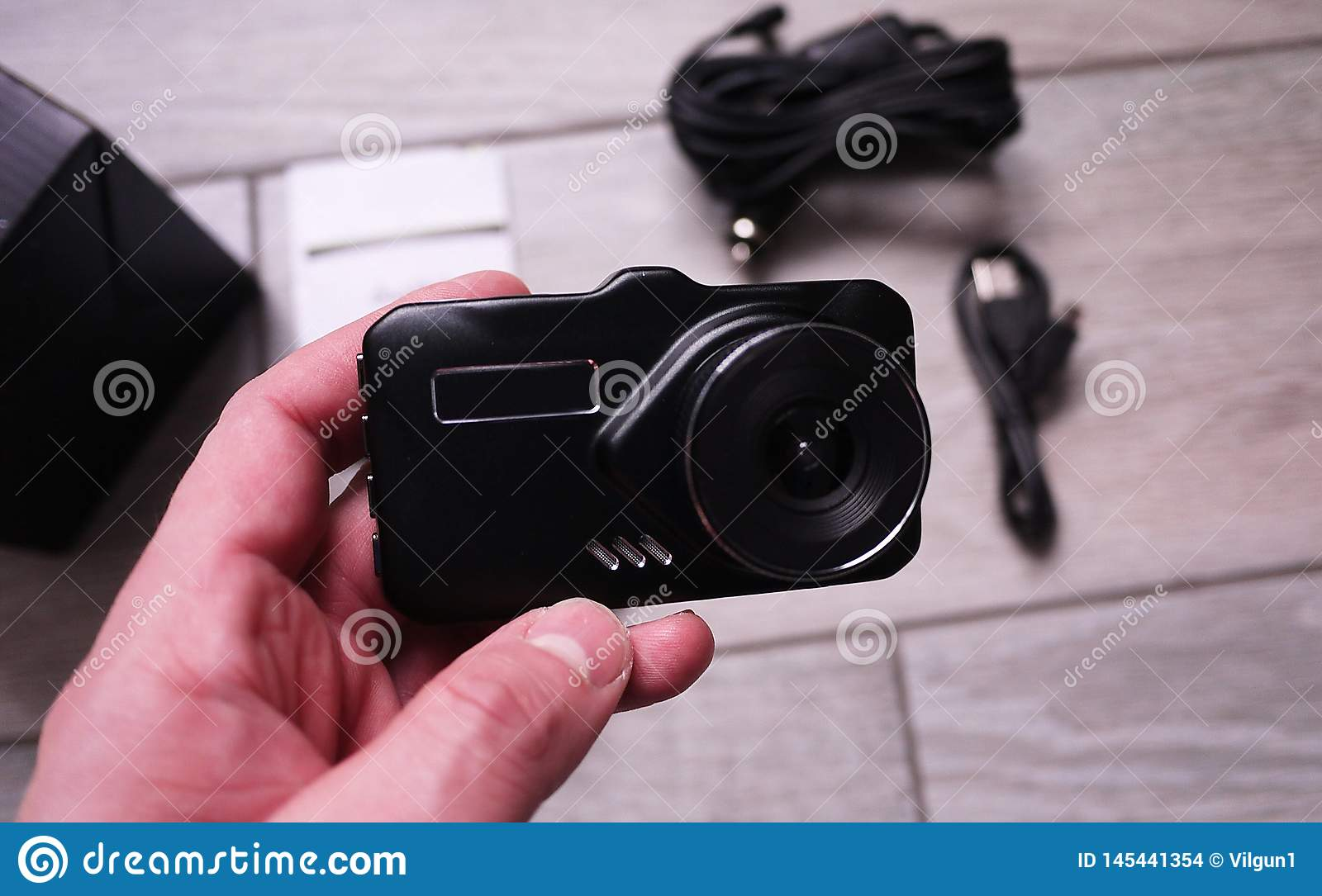 Video recorder to record the traffic situation while driving your car. It can be used both in cars and trucks.