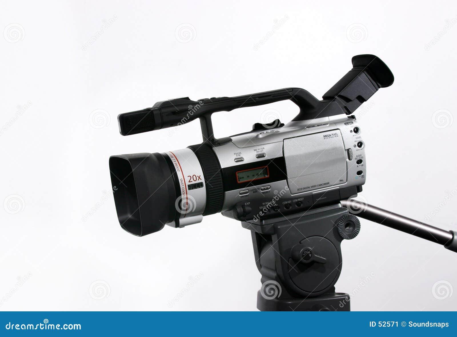 Videocámara de DV en el trípode