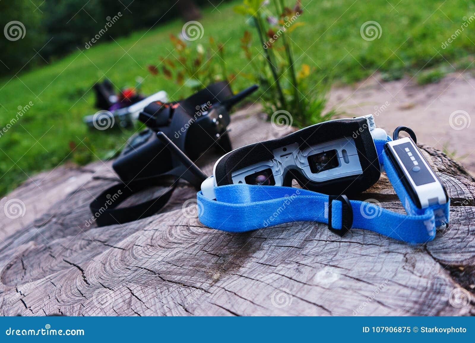 Videomonitorgläser zur vorbildlichen Steuerung und zu anderen spezielle Geräte zur Steuerung eines kontrollierten Sportradiobrumm