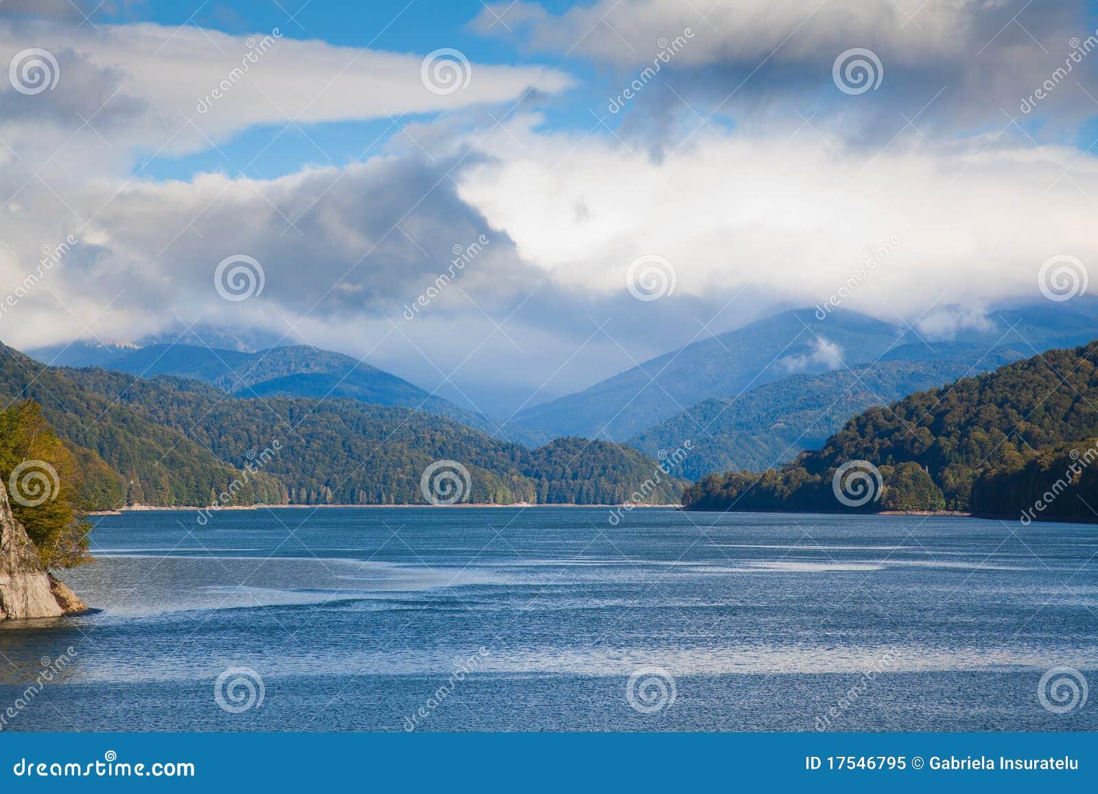 Vidraru Lake