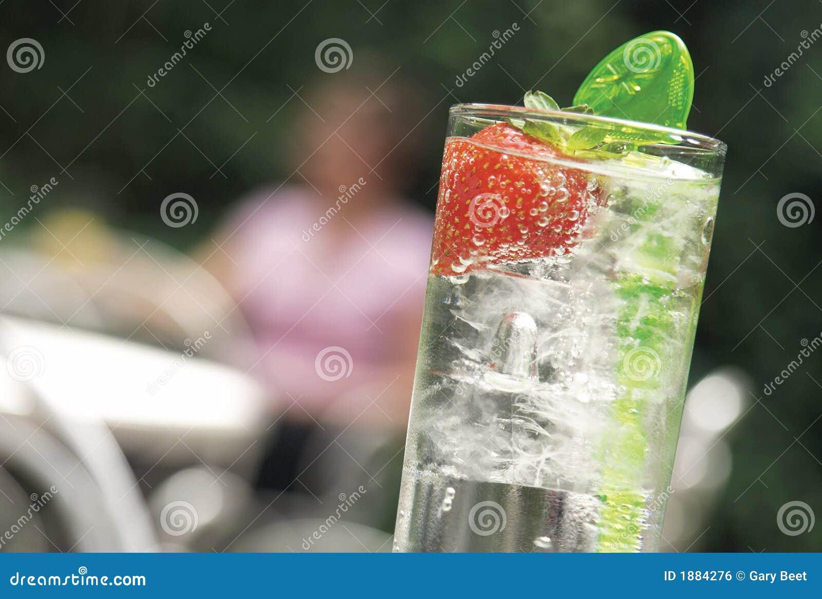 Vidrio de enfriamiento de la bebida de la limonada