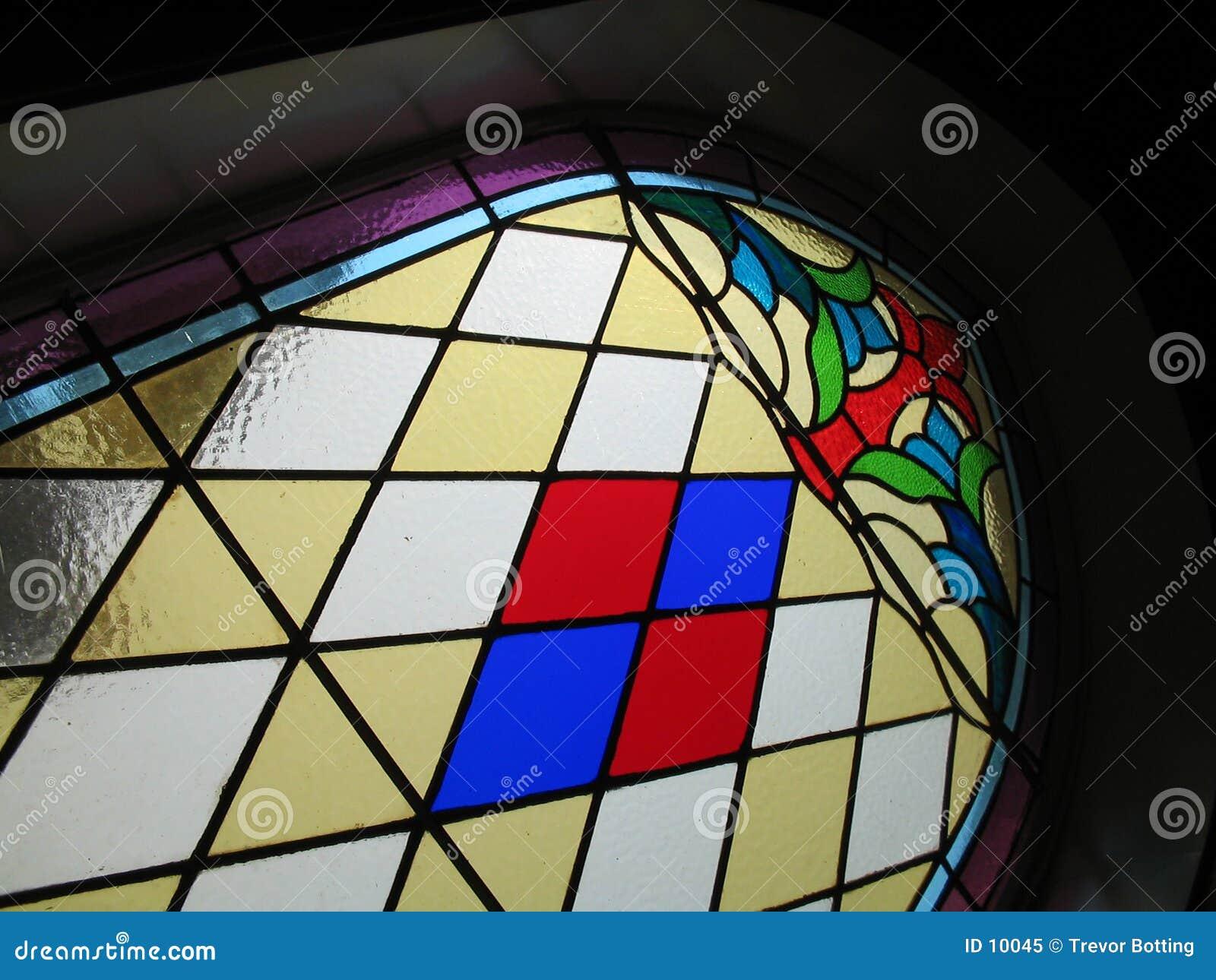 Vidrio manchado en iglesia