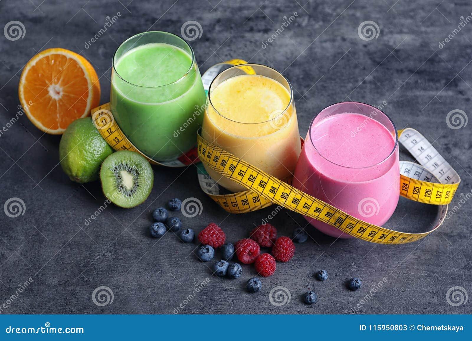 Vidrios con diversas sacudidas de la proteína
