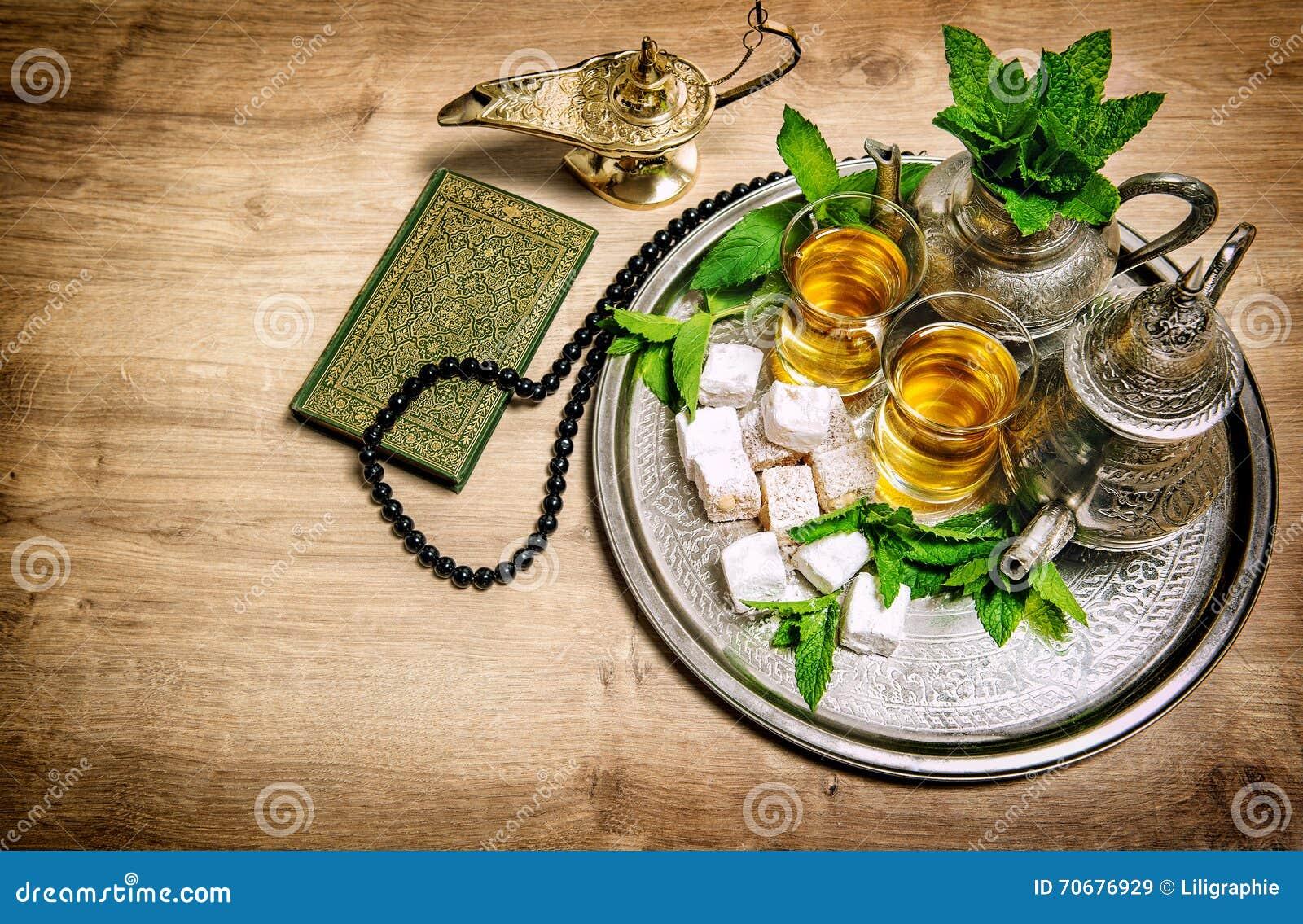 Vidrios de pote del té Concepto oriental de la hospitalidad Bebida de la comida