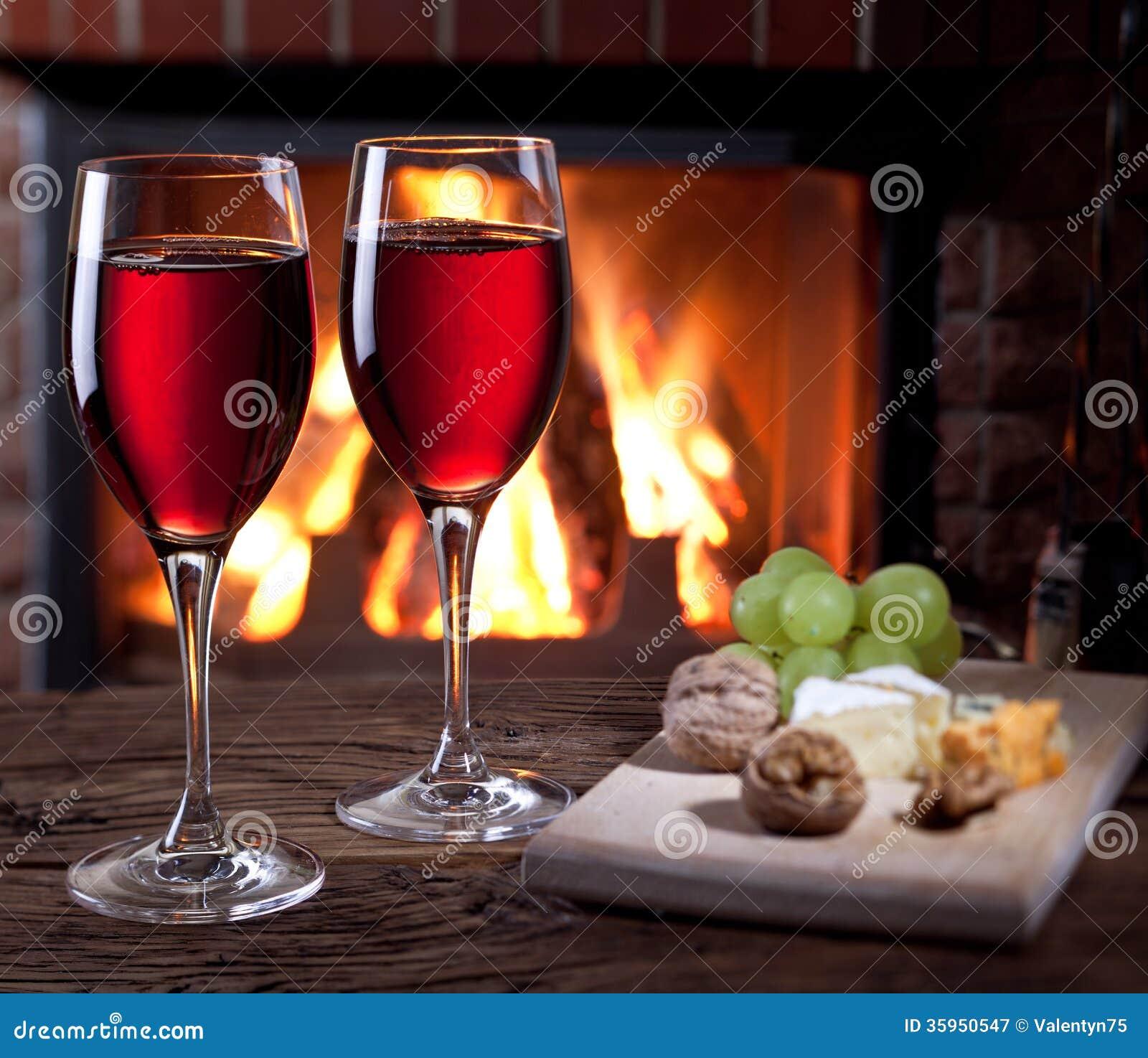 Vidrios de vino, de queso y de nueces.