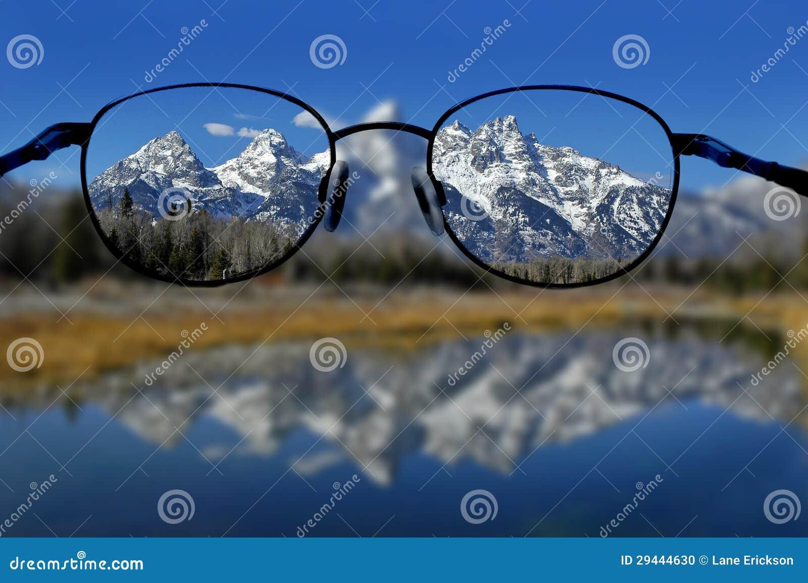 Vidrios y Vision claro de montañas
