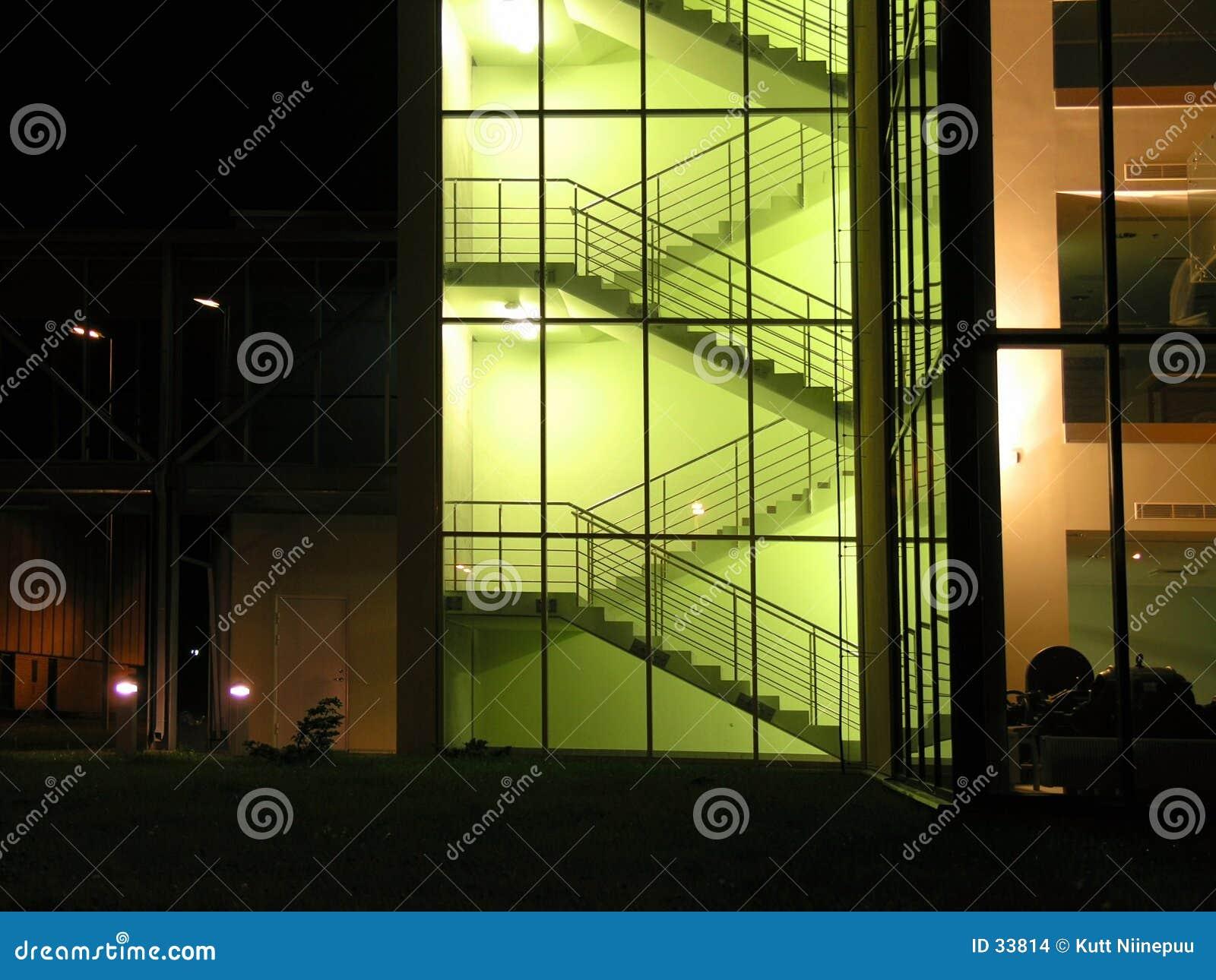 Download Vidrioso foto de archivo. Imagen de casa, angular, amarillo - 33814