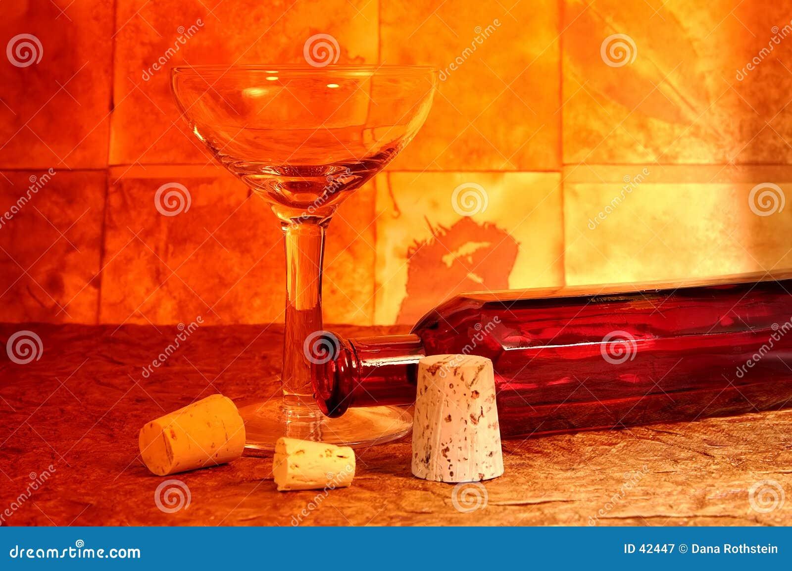 Vidro e frasco de vinho