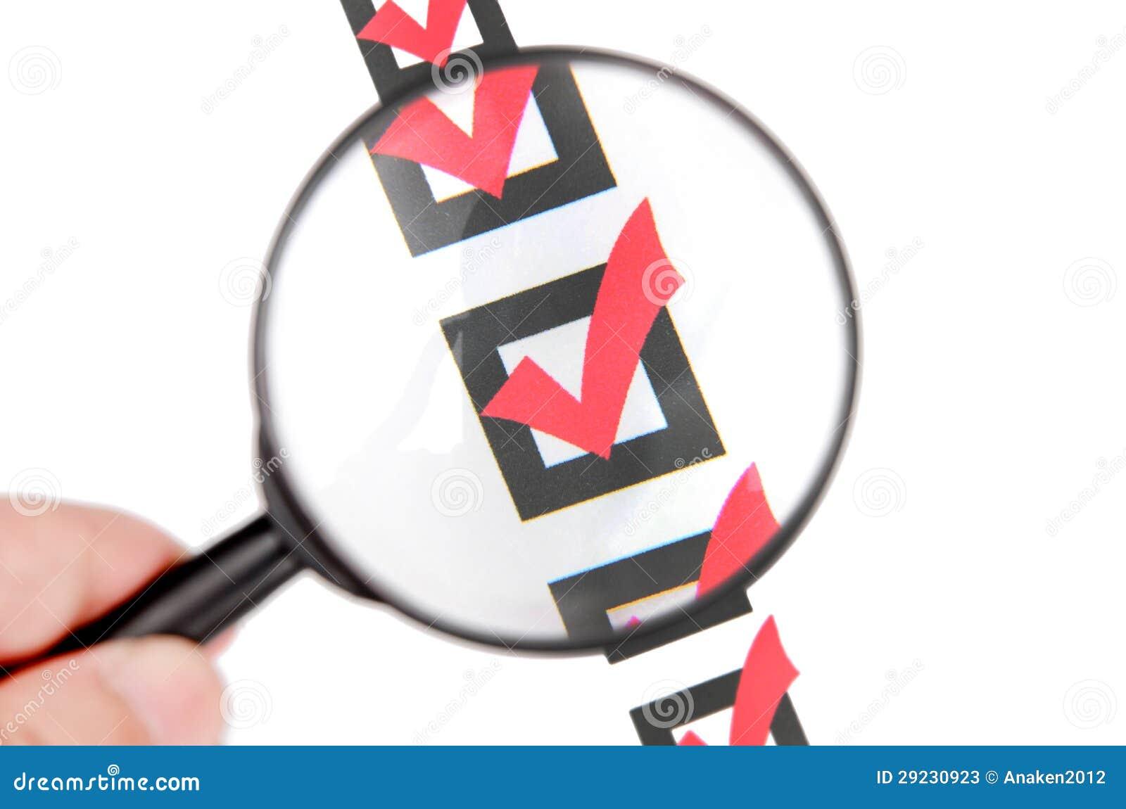 Download Vidro E Lista De Verificação Da Lente De Aumento Imagem de Stock - Imagem de confirme, gráfico: 29230923
