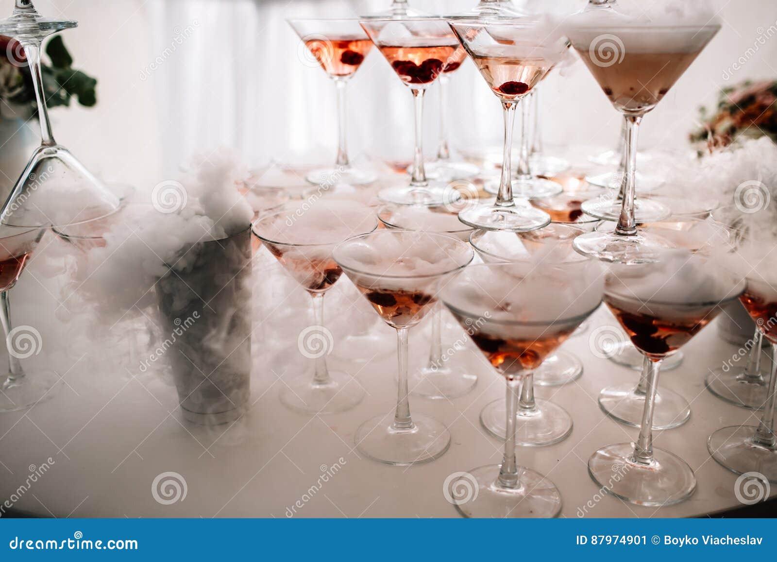 Vidros de Champagne Champanhe da corrediça do casamento para noivos Vidros coloridos do casamento com champanhe Serviço da restau