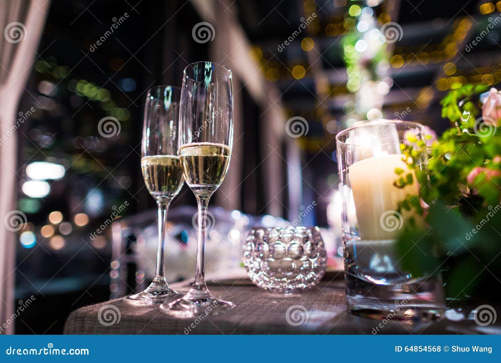 Vidros do champanhe do casamento