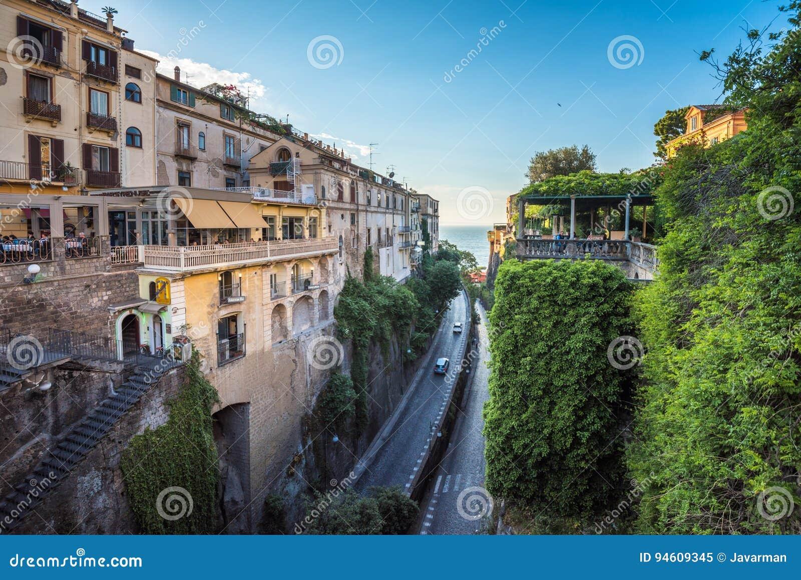 Stunning Soggiorno A Sorrento Pictures - Design Trends 2017 ...