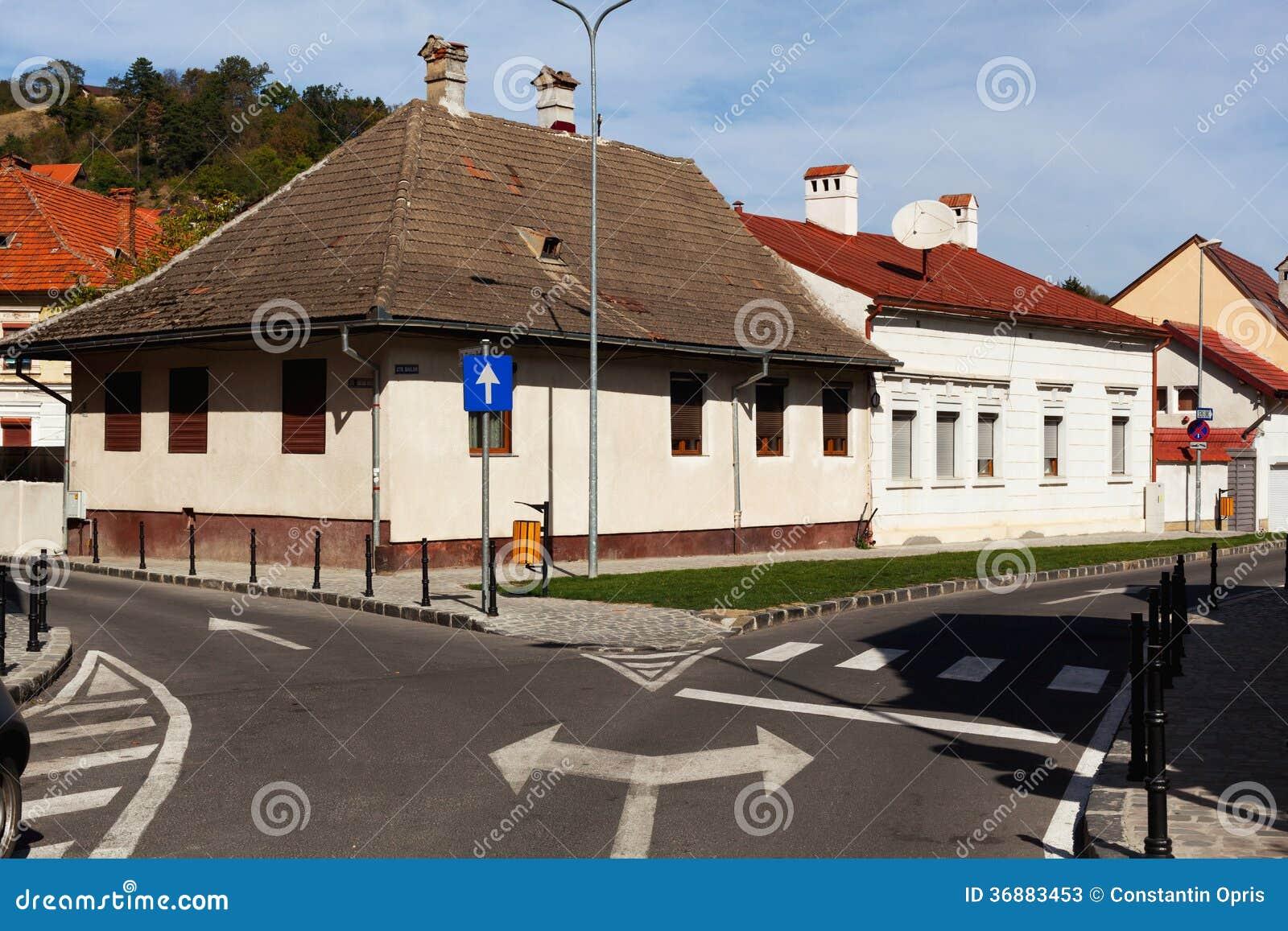 Download Vie e case della città immagine stock. Immagine di zebra - 36883453