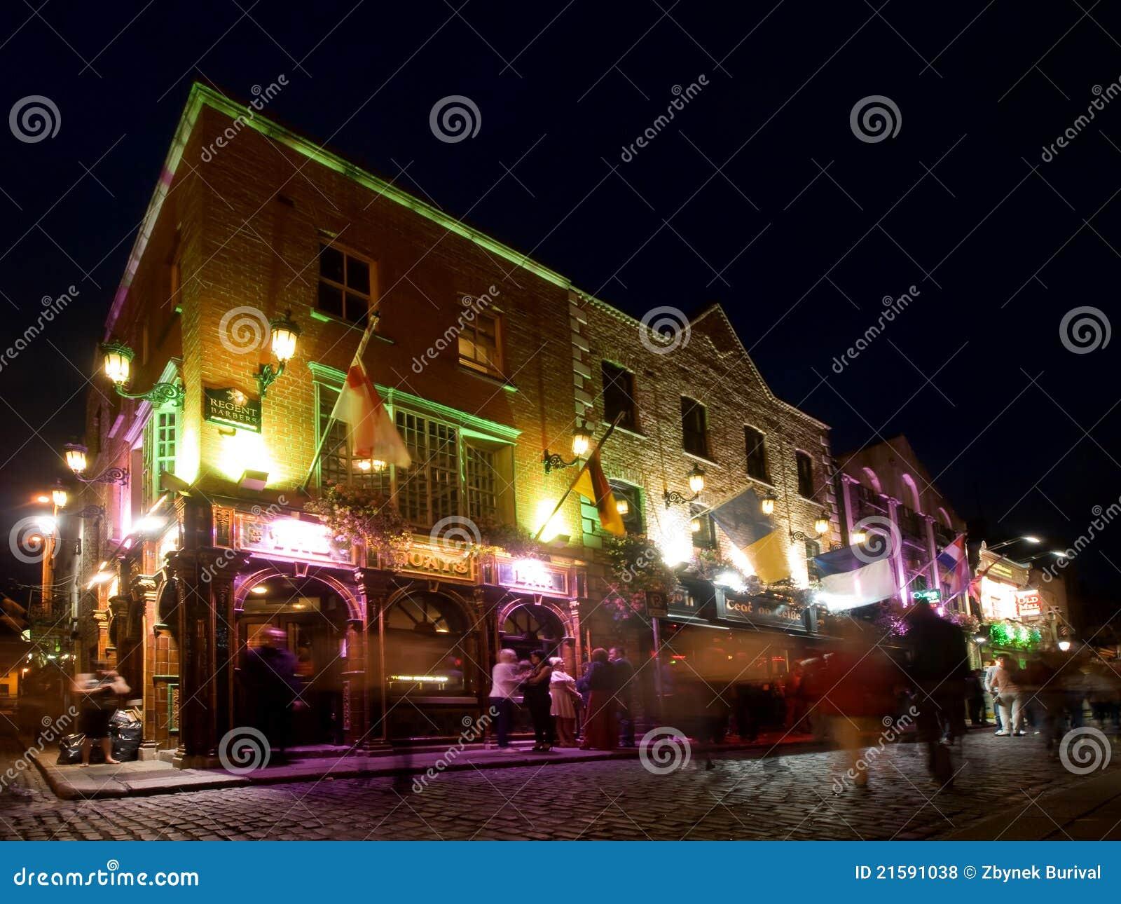 Vie nocturne de bar de temple à Dublin