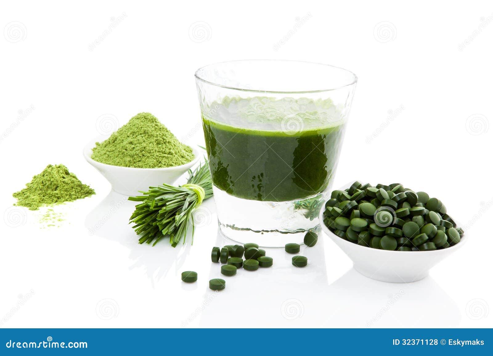 Vie saine. Spirulina, chlorella et wheatgrass.