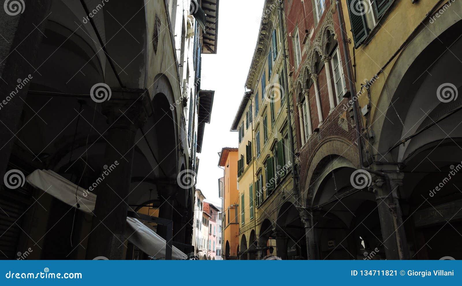 Vie strette di Pisa