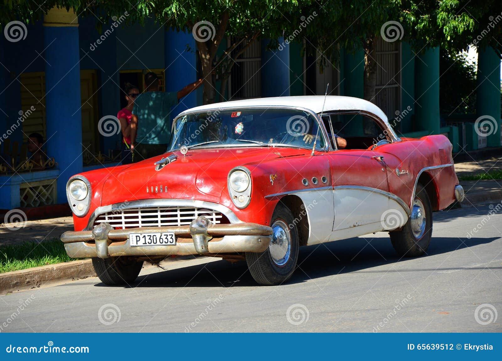 Vieil Américain Chevrolet au Cuba
