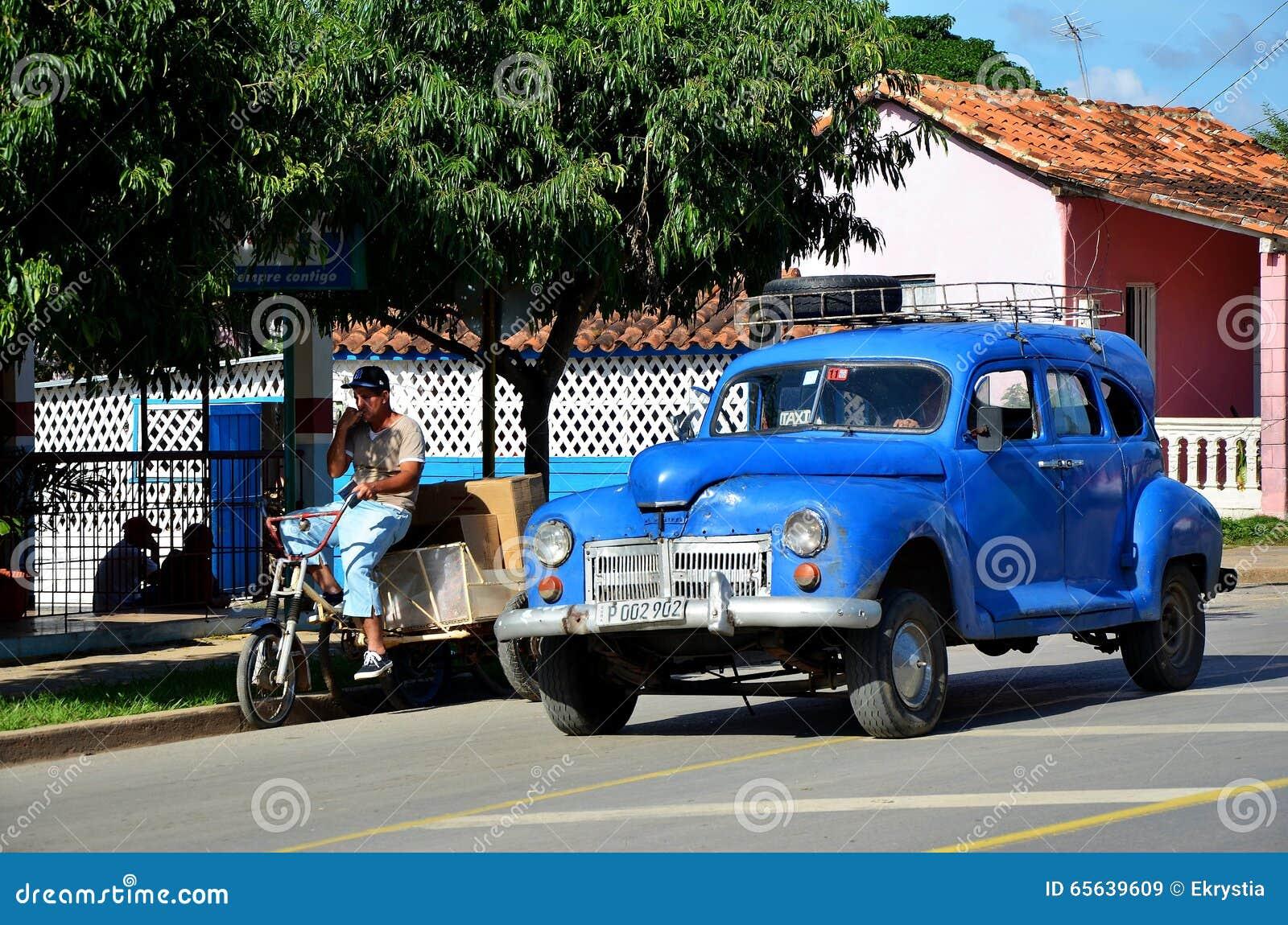 Vieil Américain Chevrolet au Cuba - le Vinales
