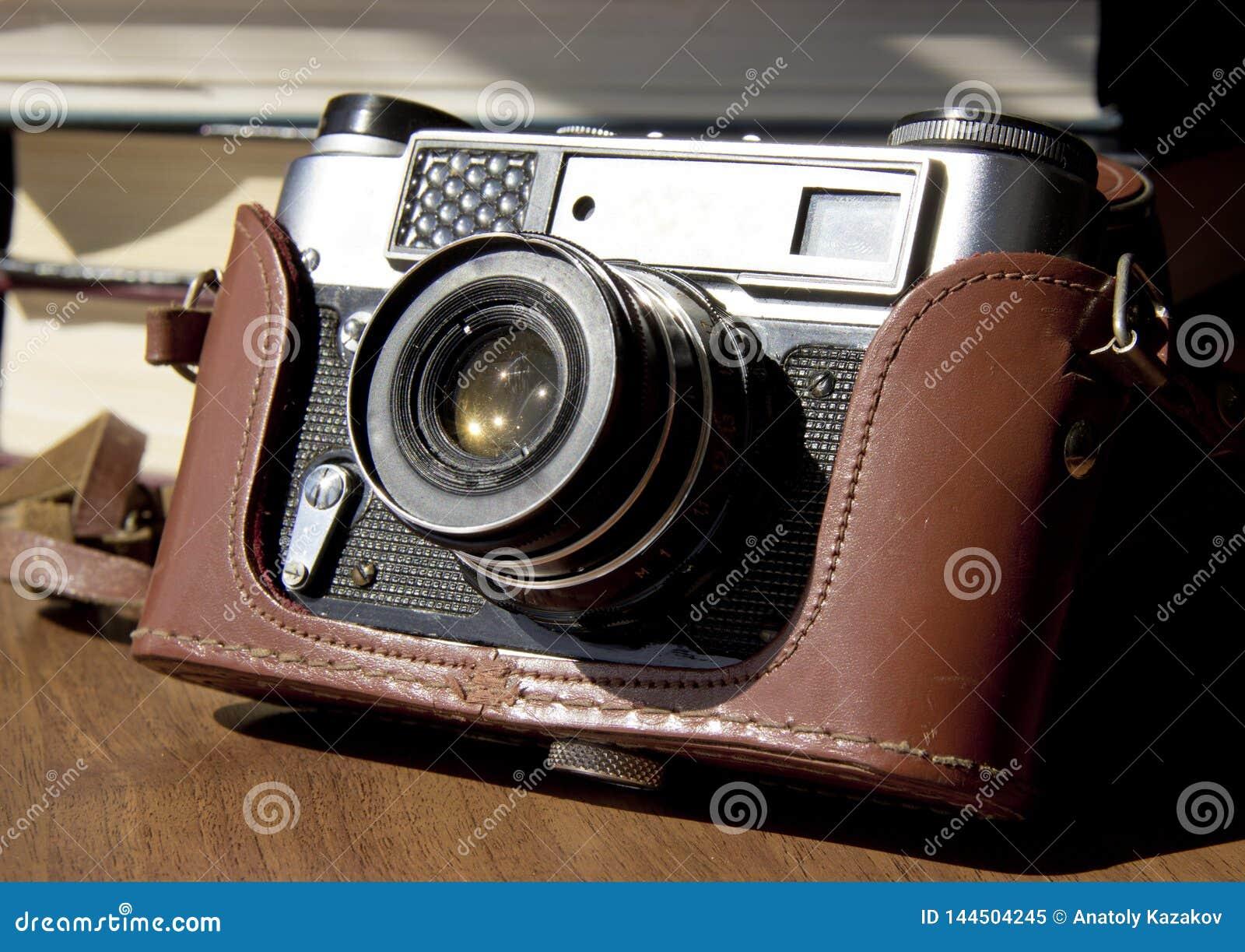 Vieil appareil-photo de film