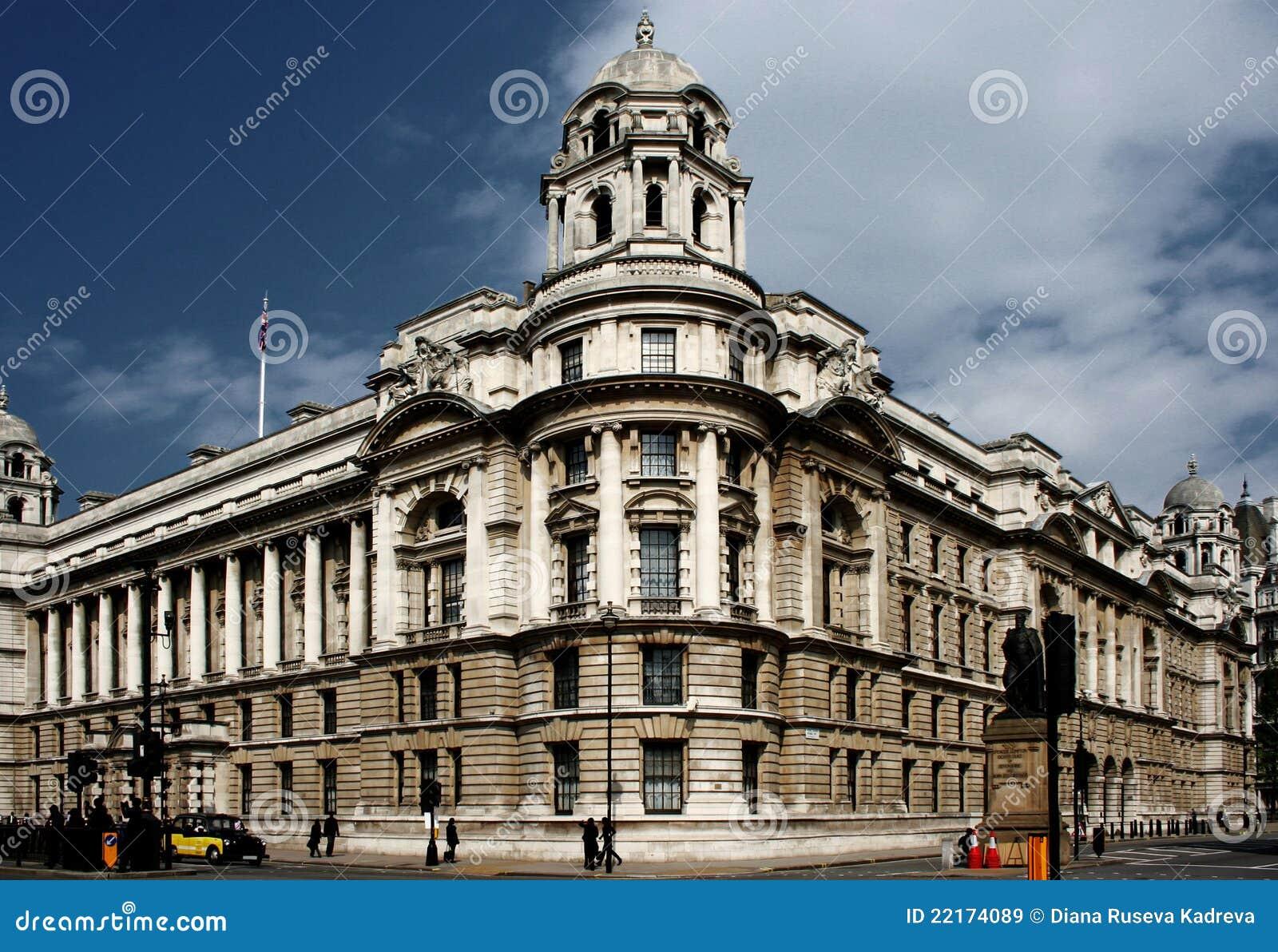 Vieil immeuble de bureaux de guerre image stock image du