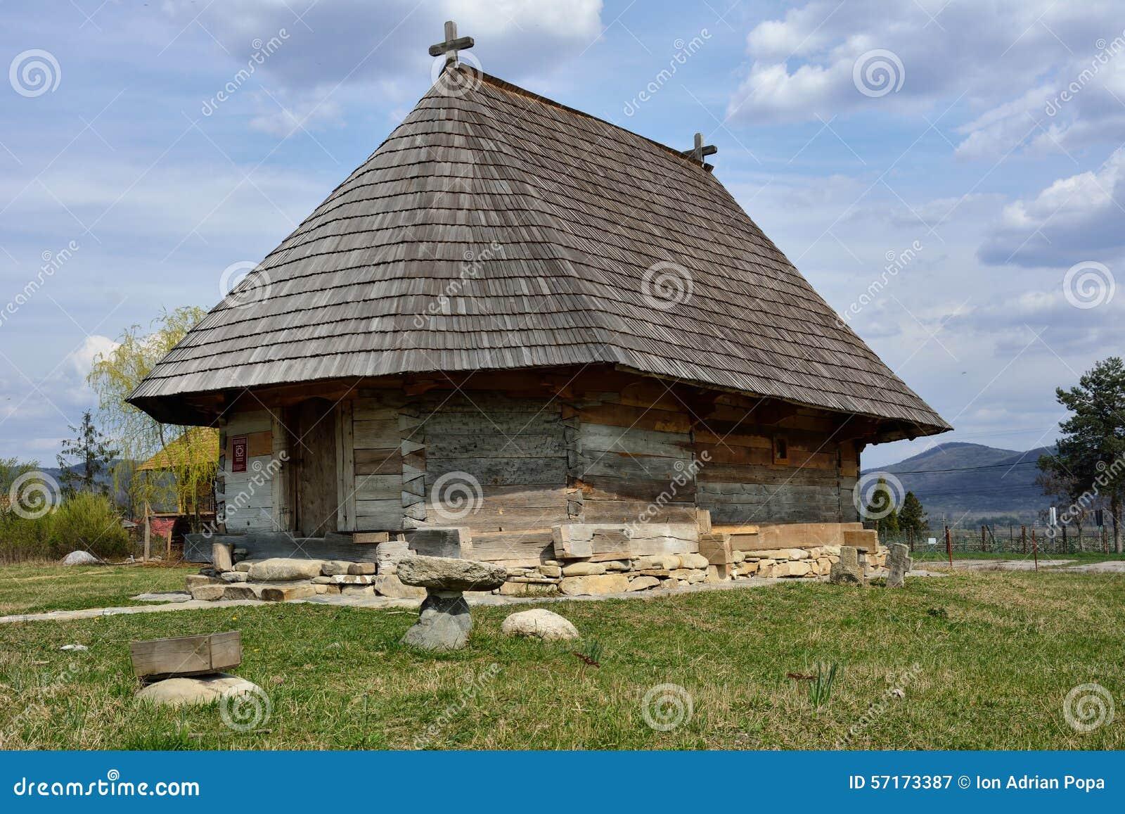 Vieille église en bois roumaine