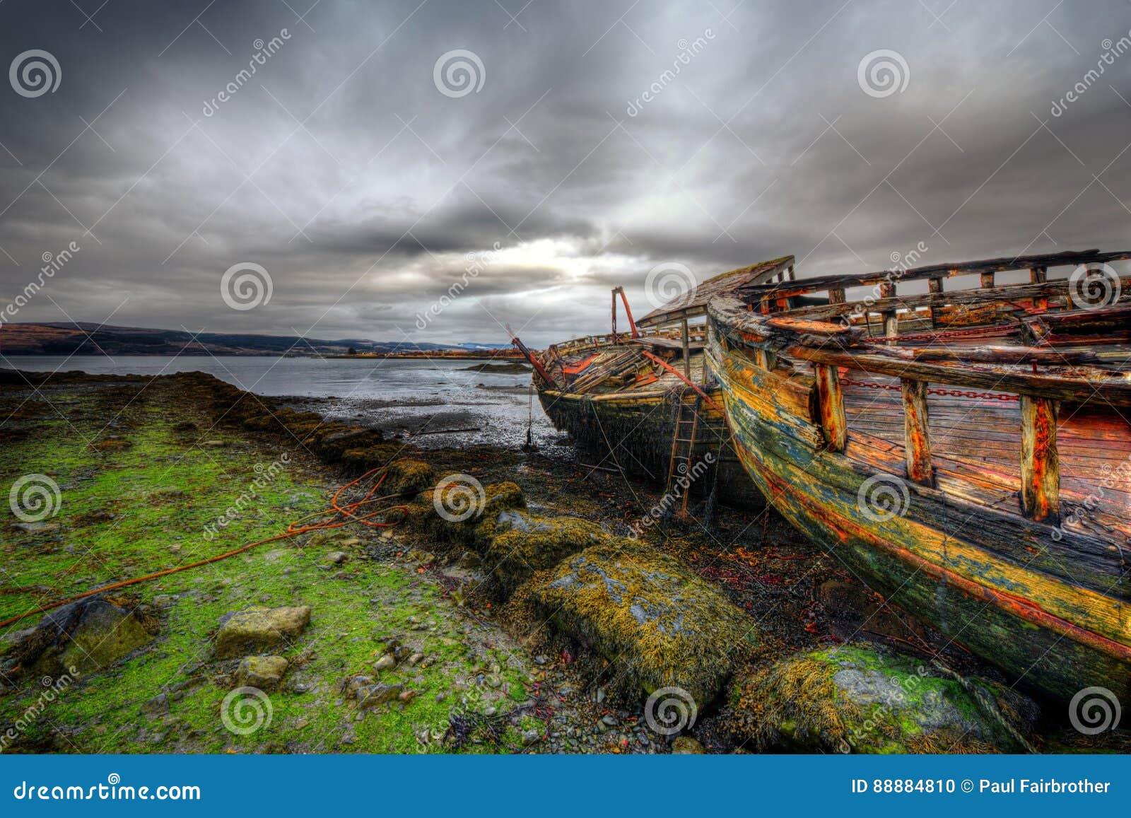 Vieille épave de bateau