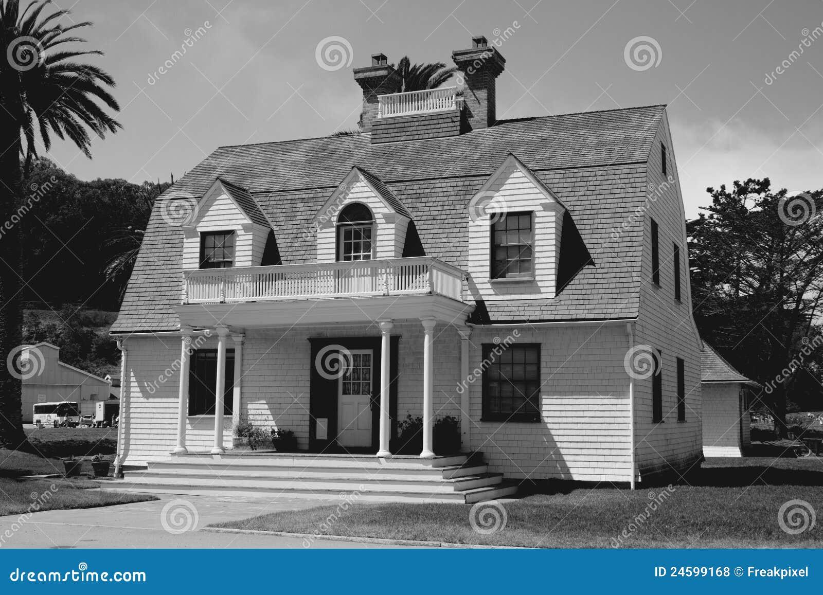 vieille architecture de maison photos libres de droits image 24599168. Black Bedroom Furniture Sets. Home Design Ideas