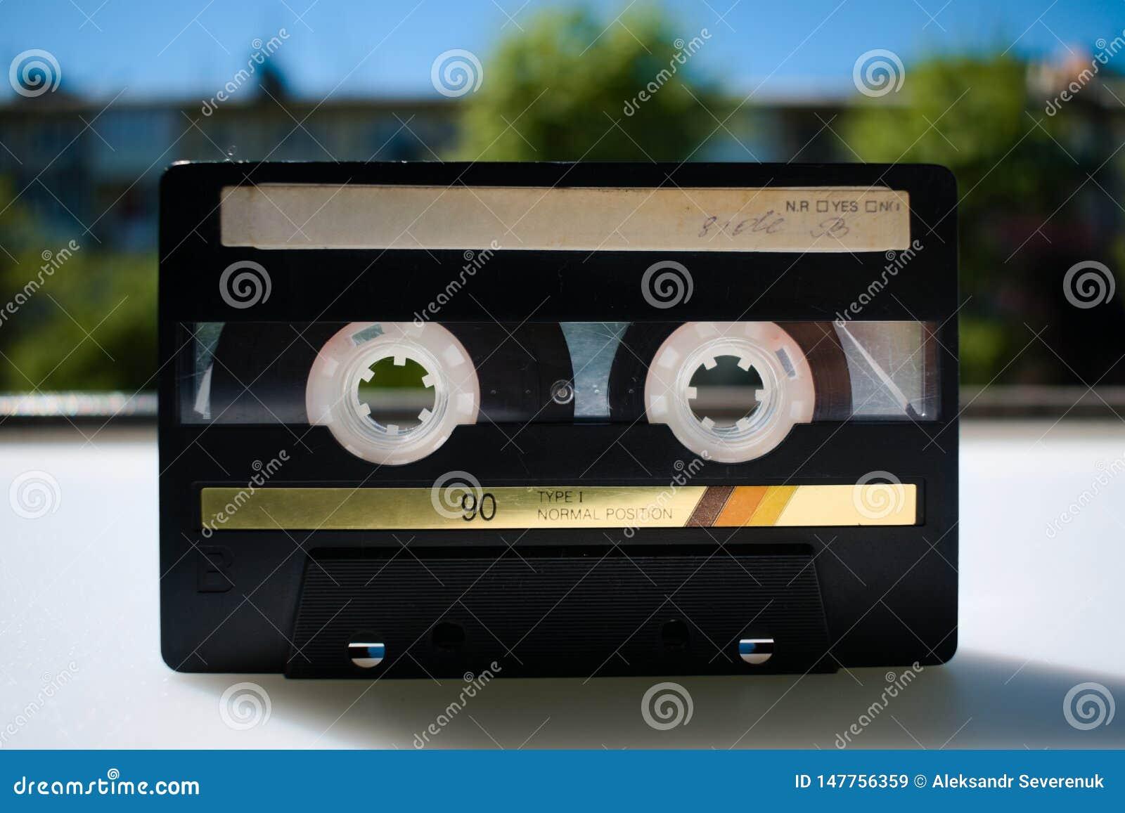 Vieille cassette sonore des années 90 La mémoire du passé