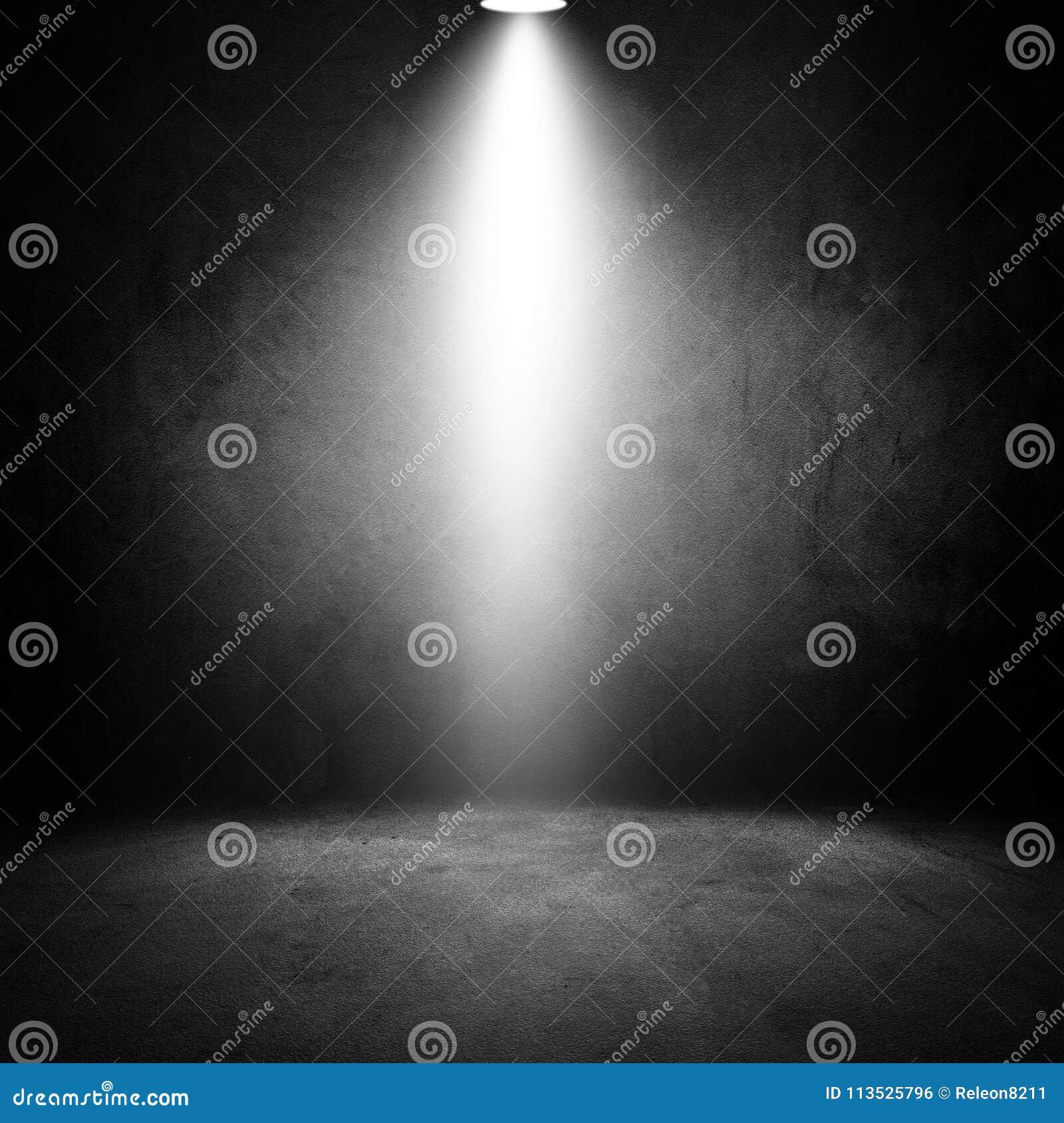 Vieille chambre noire grunge d effets de la lumière