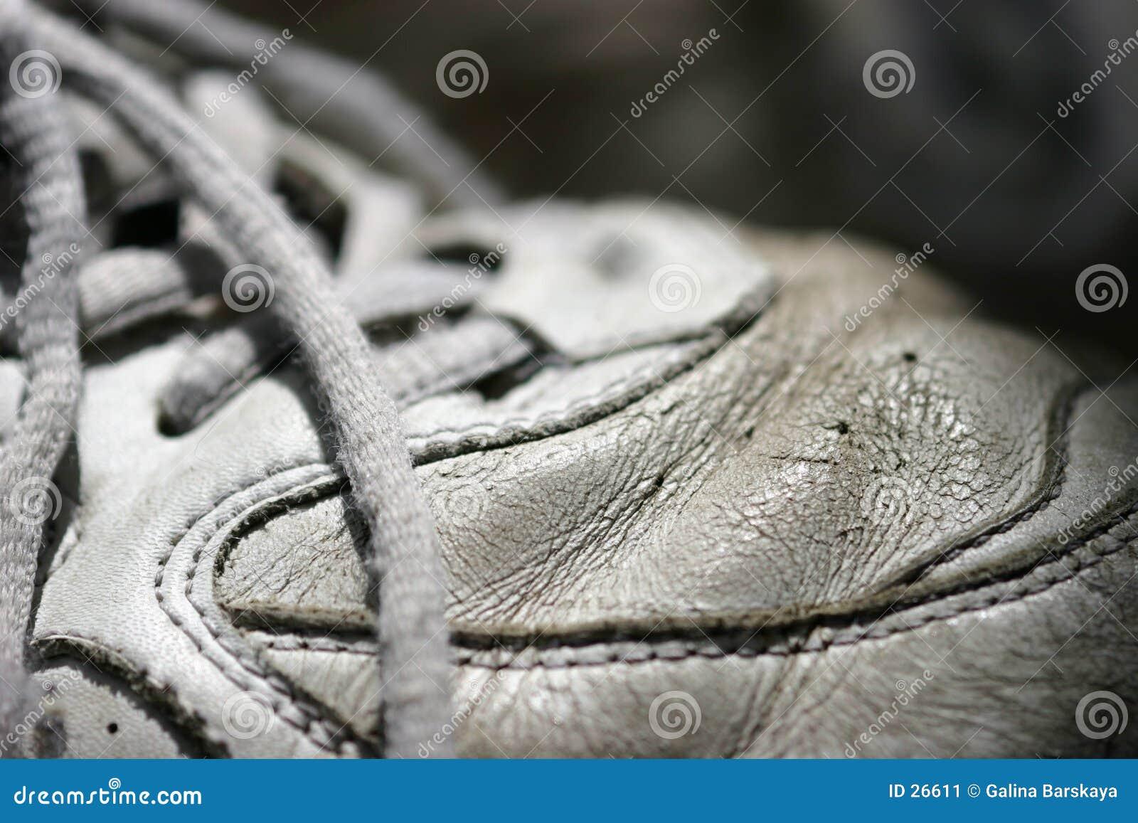 Vieille chaussure de tennis