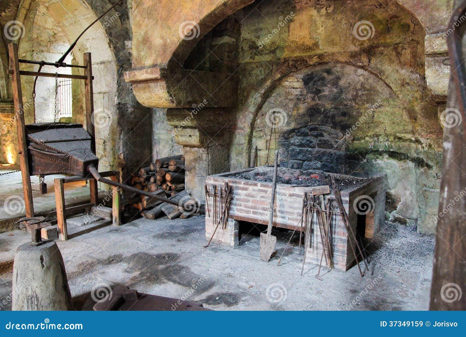 vieille chemin e image stock image du panier france. Black Bedroom Furniture Sets. Home Design Ideas