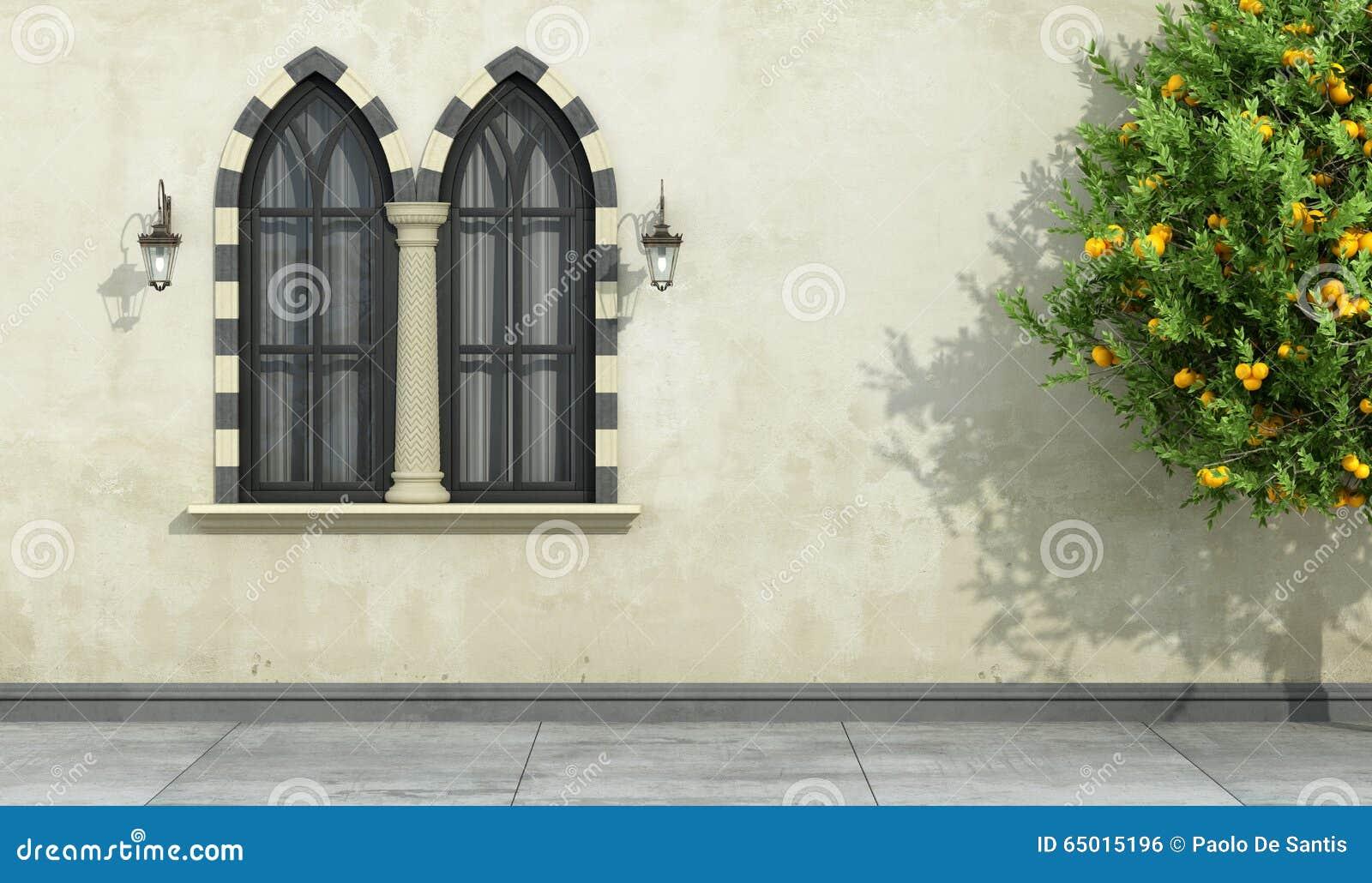 Vieille fa ade avec la fen tre gothique meneaux for Fenetre facade