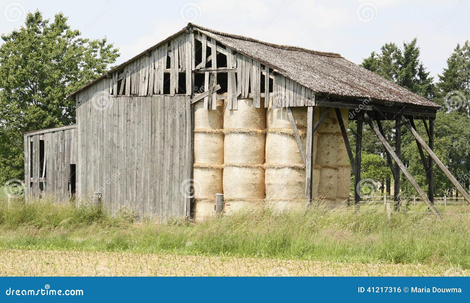 Vieille grange en bois photo stock image 41217316 for Grange bois en kit
