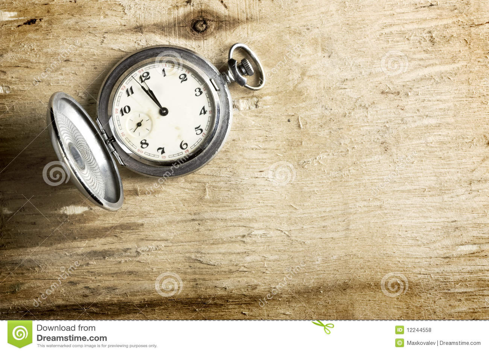 Vieille Horloge Photos libres de droits  Image 12244558 ~ Vieille Horloge En Bois