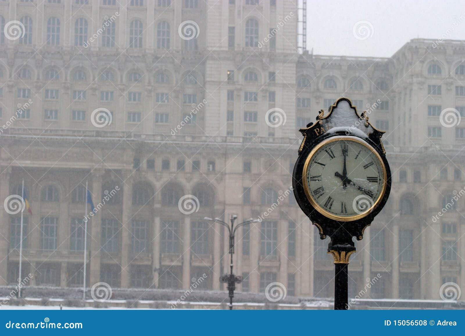 vieille horloge photos libres de droits image 15056508. Black Bedroom Furniture Sets. Home Design Ideas