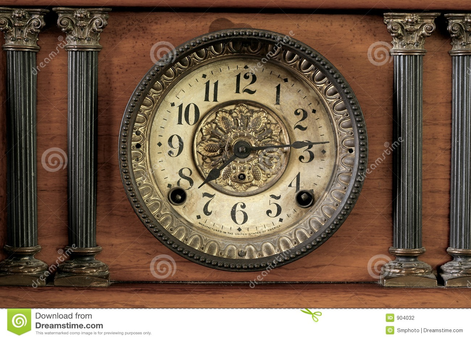 Vieille Horloge Photographie stock  Image 904032 ~ Vieille Horloge En Bois