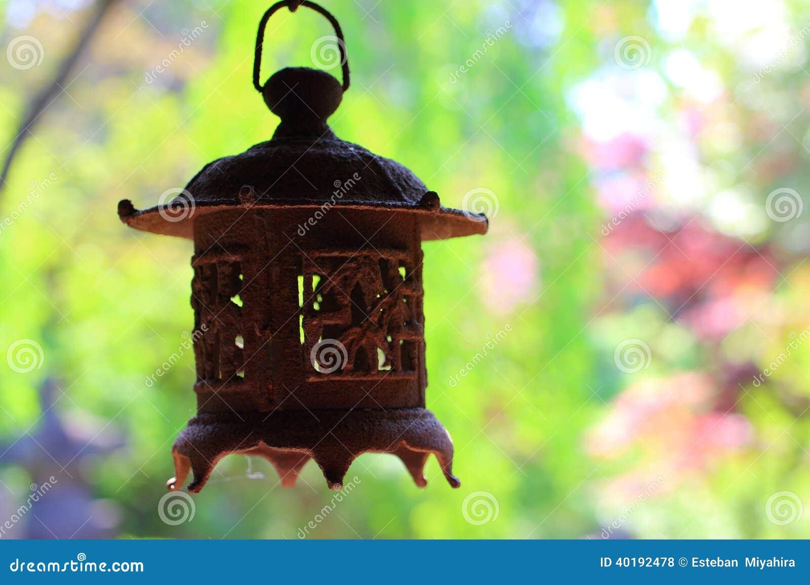 vieille lanterne japonaise photo stock image 40192478. Black Bedroom Furniture Sets. Home Design Ideas