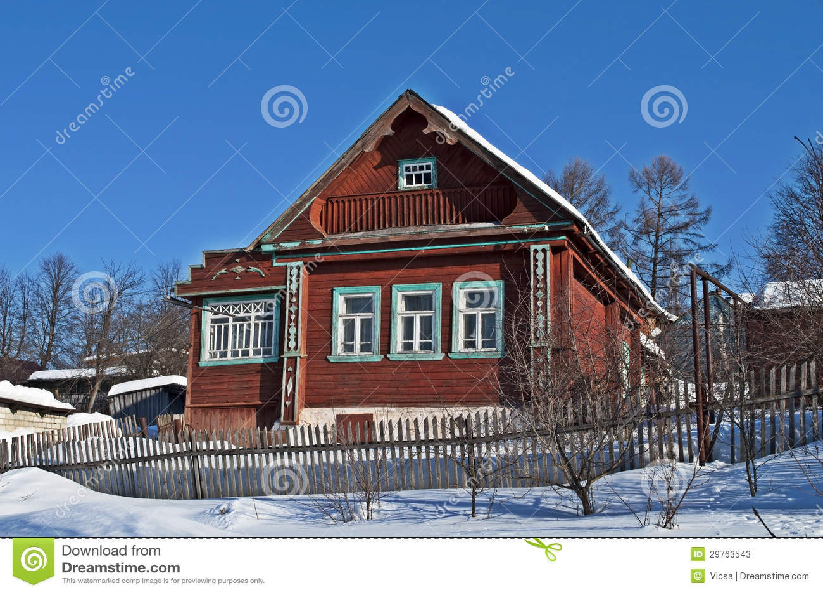 petite maison en bois sous la neige image stock image du. Black Bedroom Furniture Sets. Home Design Ideas