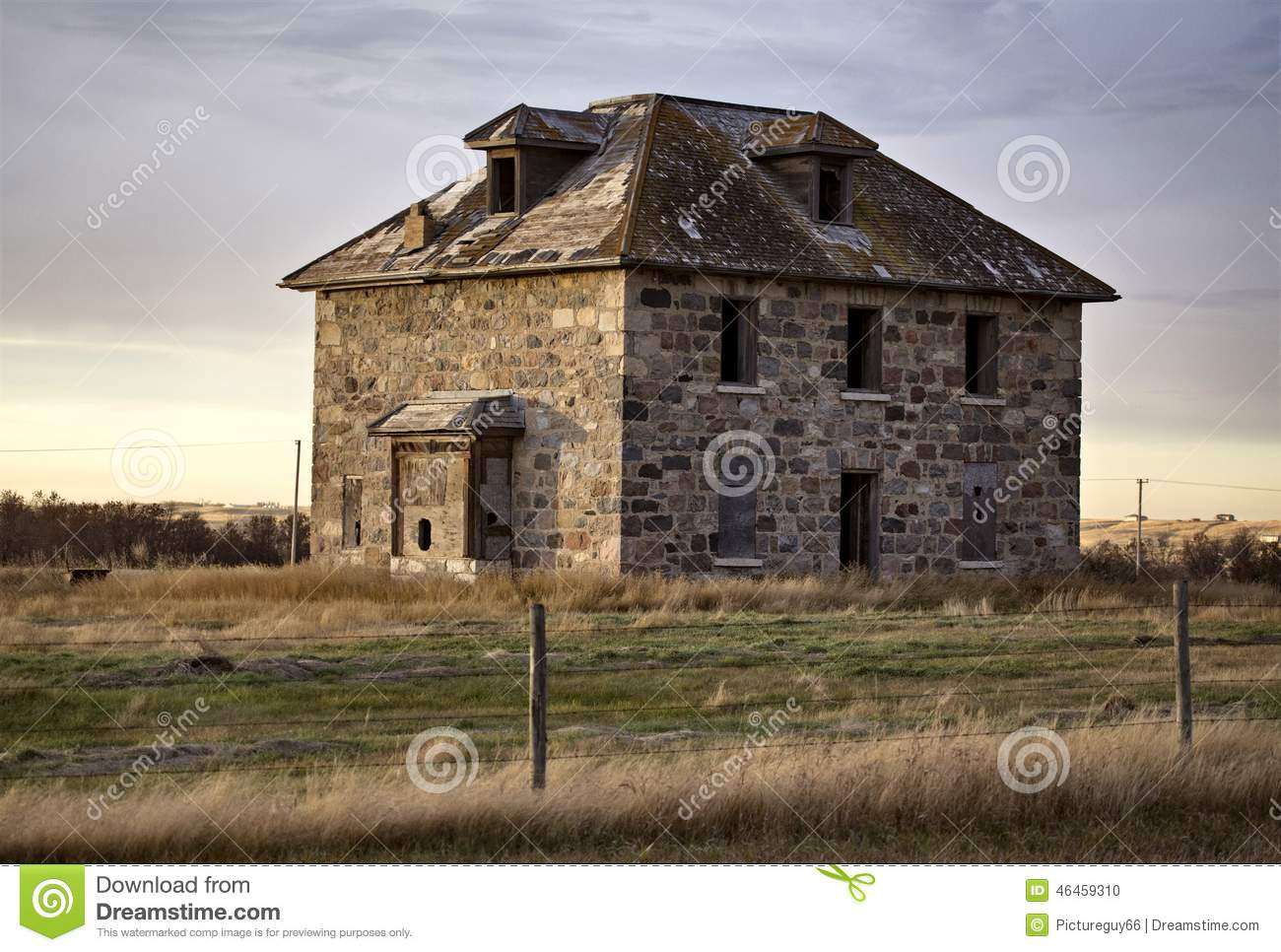 Vieille maison en pierre abandonn e photo stock image for Vieille maison en pierre