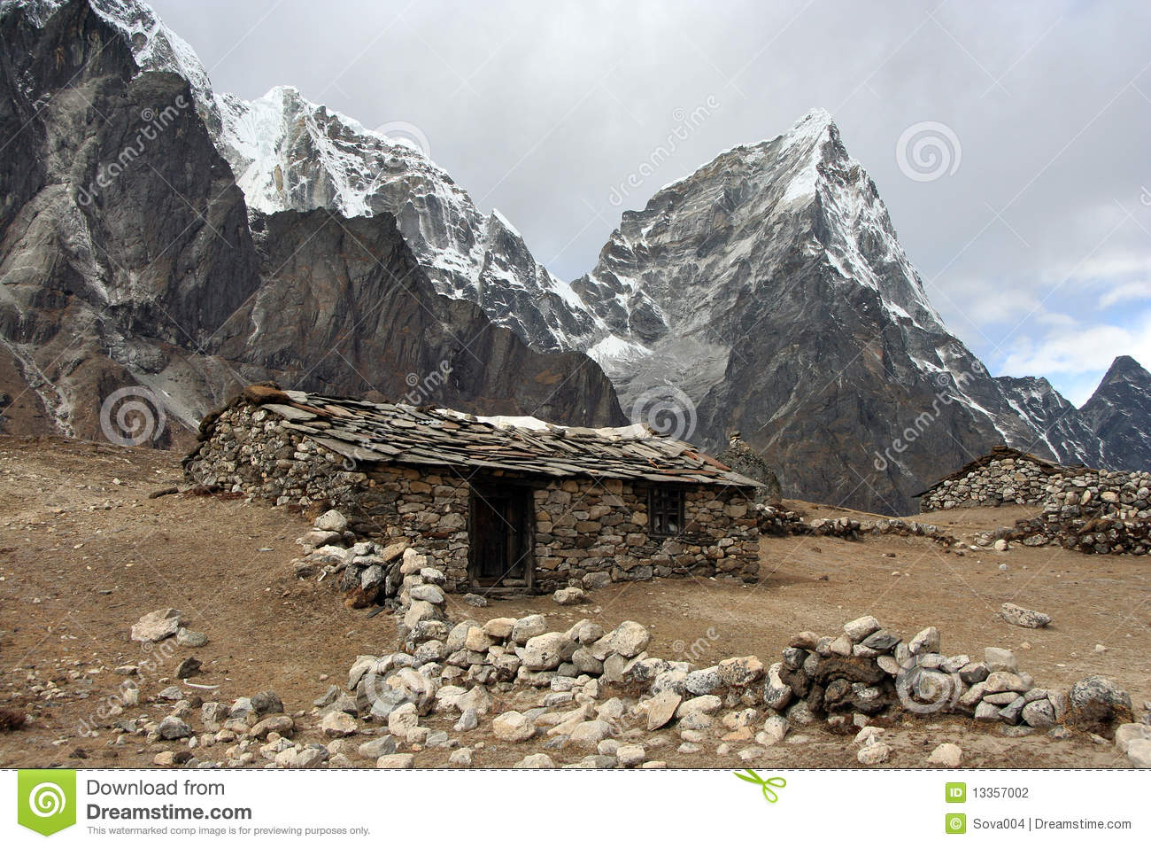 Vieille maison en pierre en himalaya photo stock image for Vieille maison en pierre