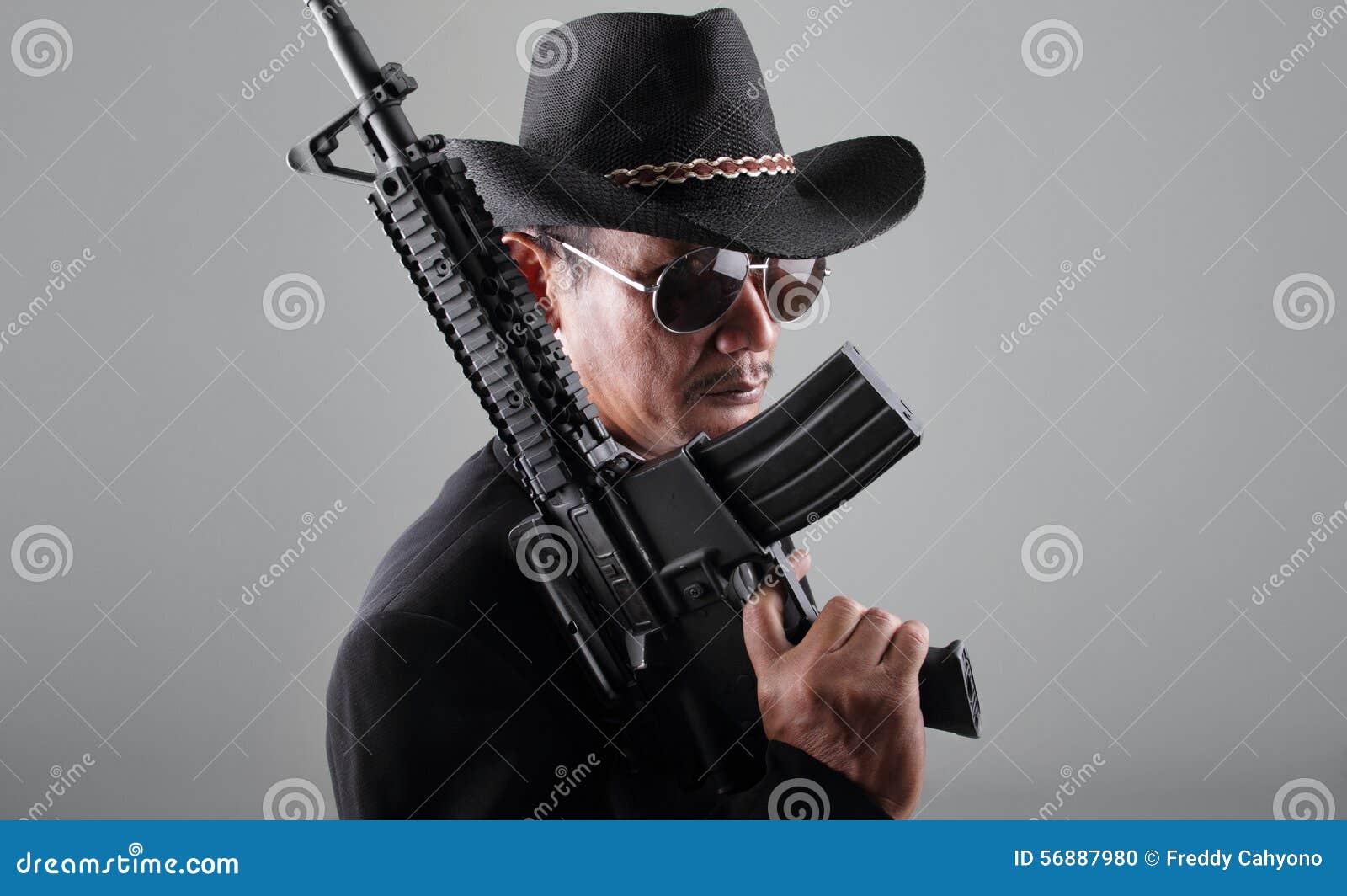 Vieille mitrailleuse de gangter