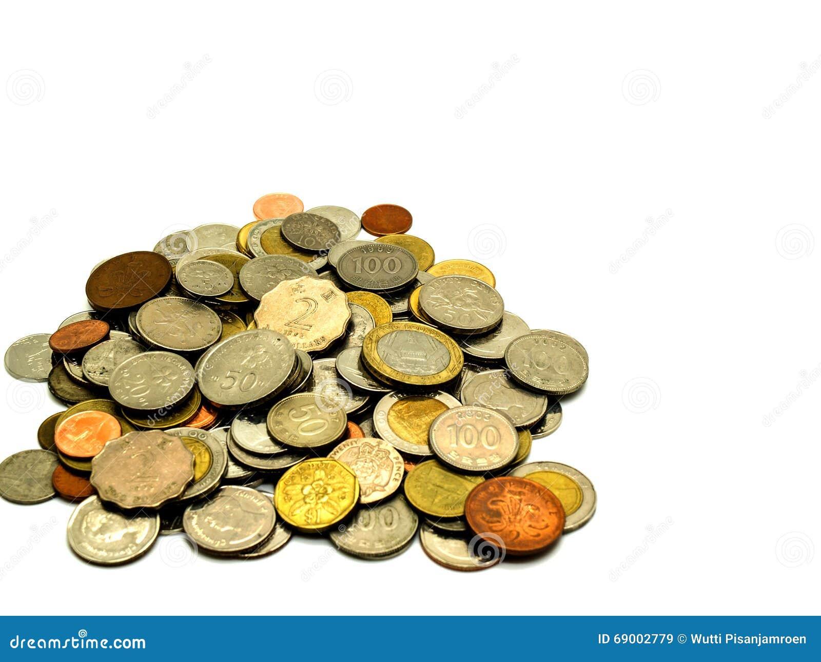 Vieille pièce de monnaie internationale sur le fond blanc