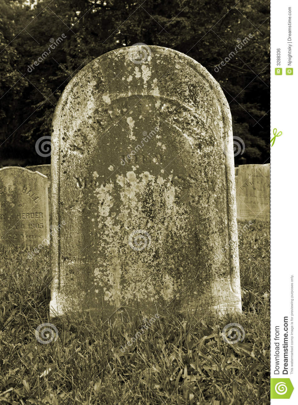 Vieille pierre tombale photo stock image du croix ghost - Pierre tombale halloween ...
