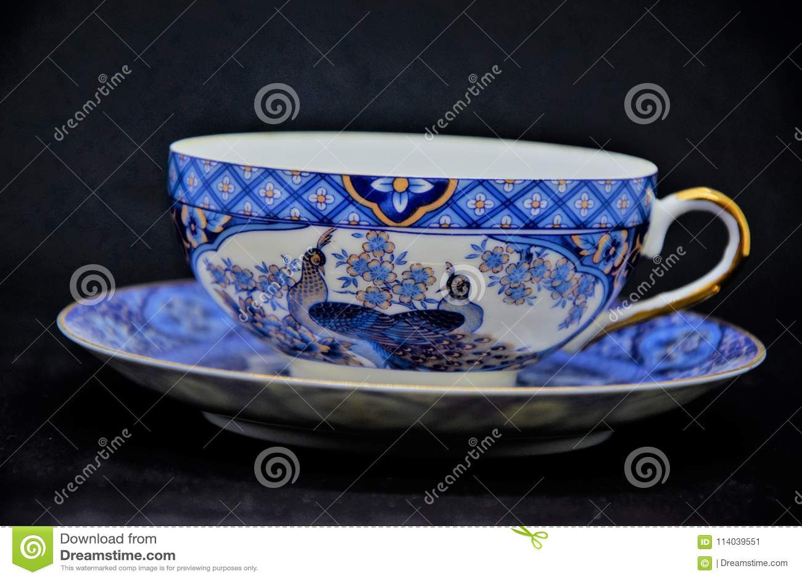 Vieille porcelaine de porcelaine