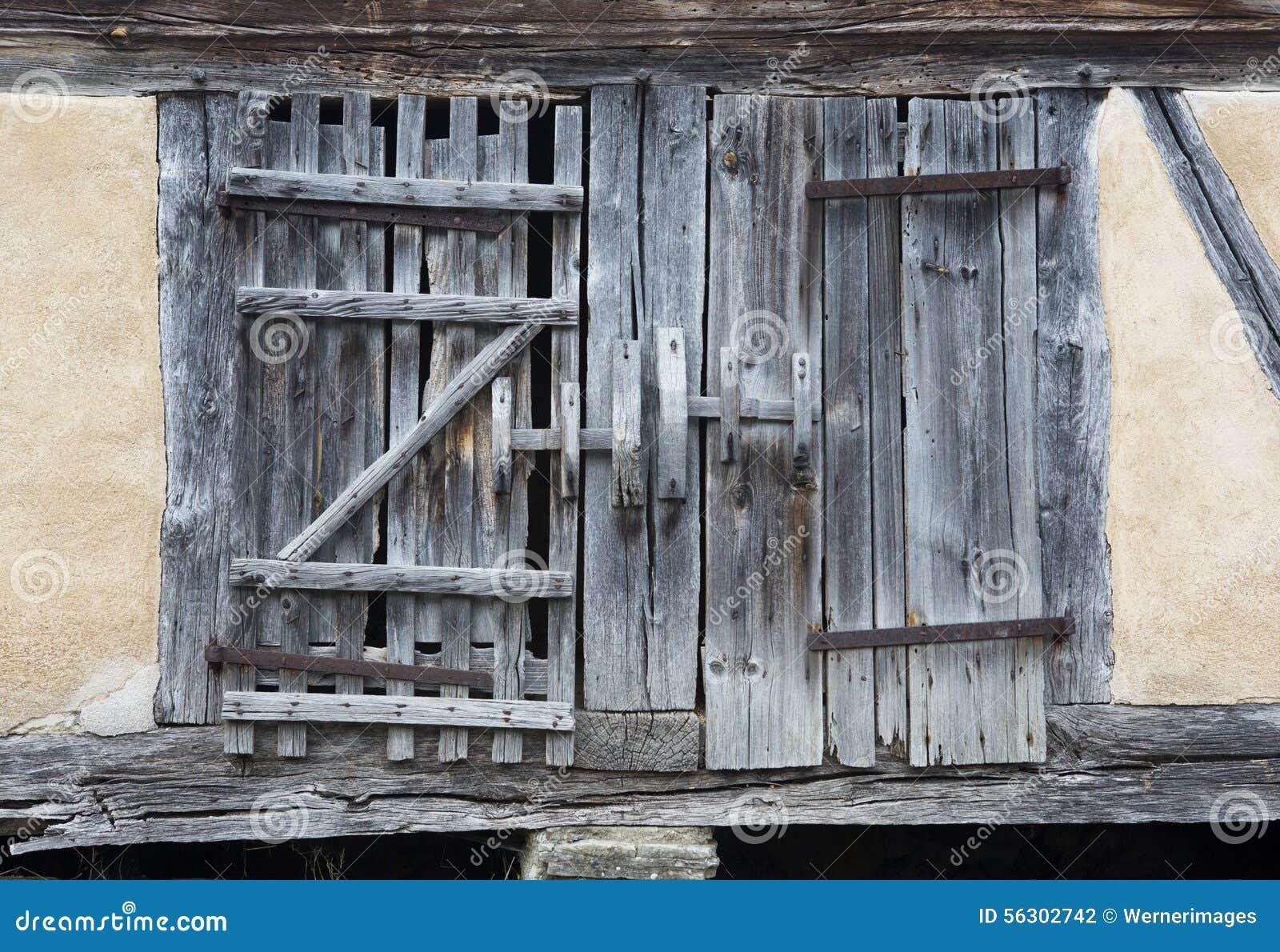 Porte de grange fashion designs - Vieille porte en bois ...