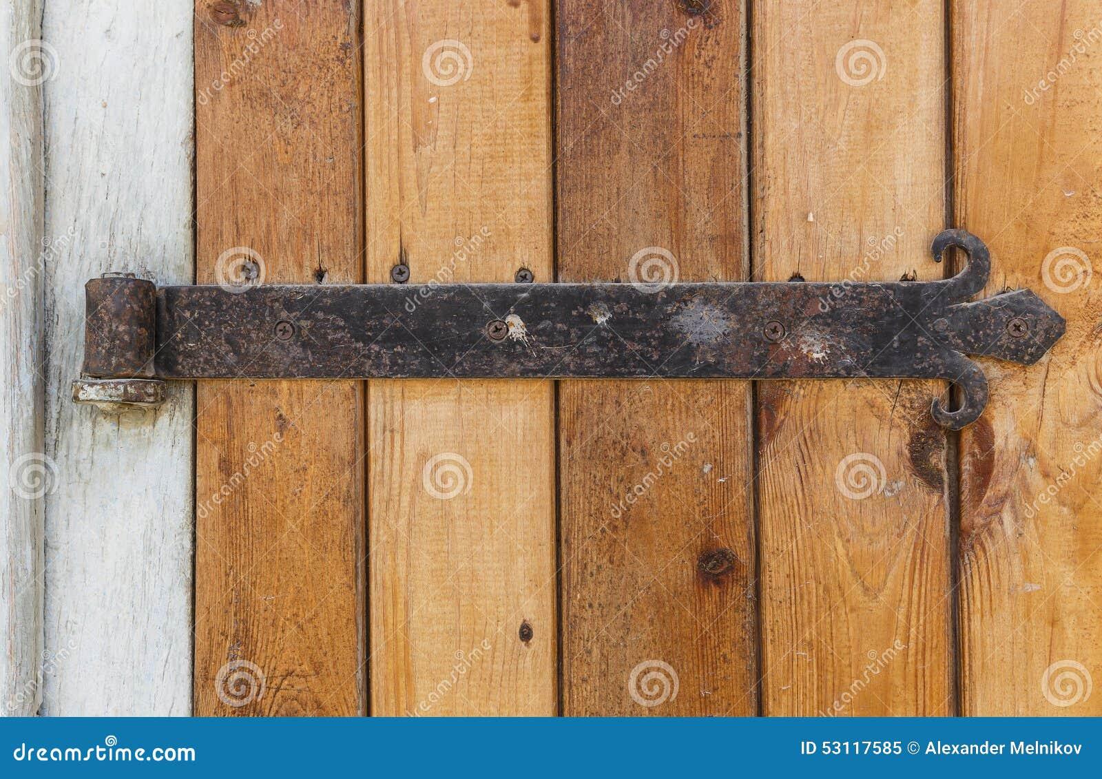vieille porte en bois avec de vieilles charni res de porte. Black Bedroom Furniture Sets. Home Design Ideas